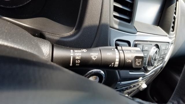2017 Nissan Pathfinder SL 22