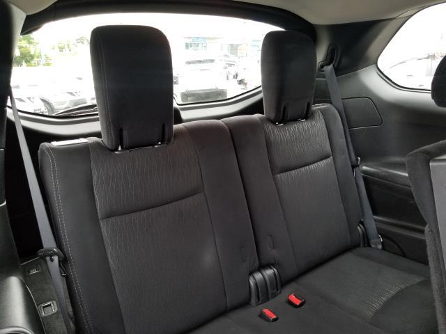 2015 Nissan Pathfinder SV 17
