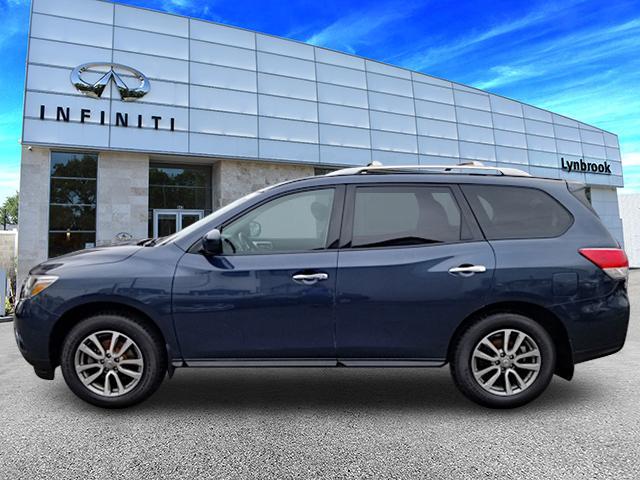 2015 Nissan Pathfinder SV 0