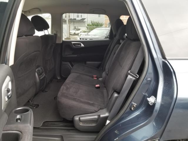 2015 Nissan Pathfinder SV 4
