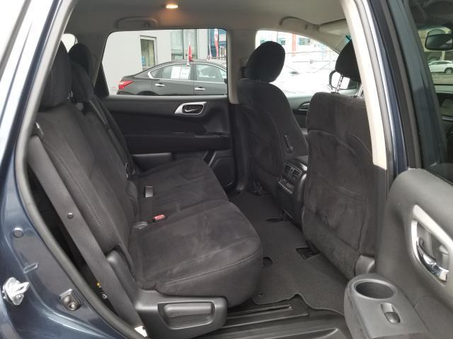 2015 Nissan Pathfinder SV 11