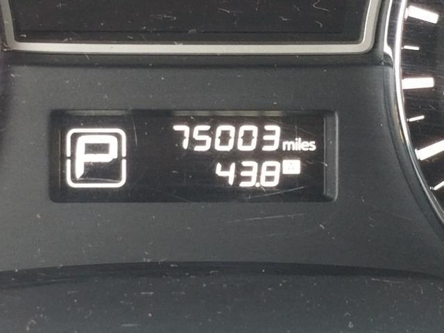 2015 Nissan Pathfinder SV 24