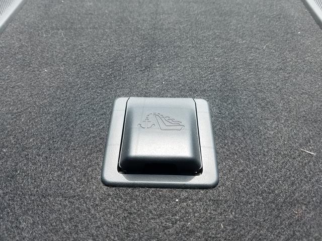 2016 Nissan Sentra SR 13