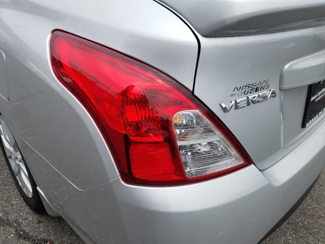 2019 Nissan Versa Sedan SV 8