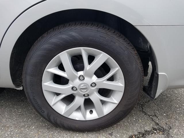2019 Nissan Versa Sedan SV 9