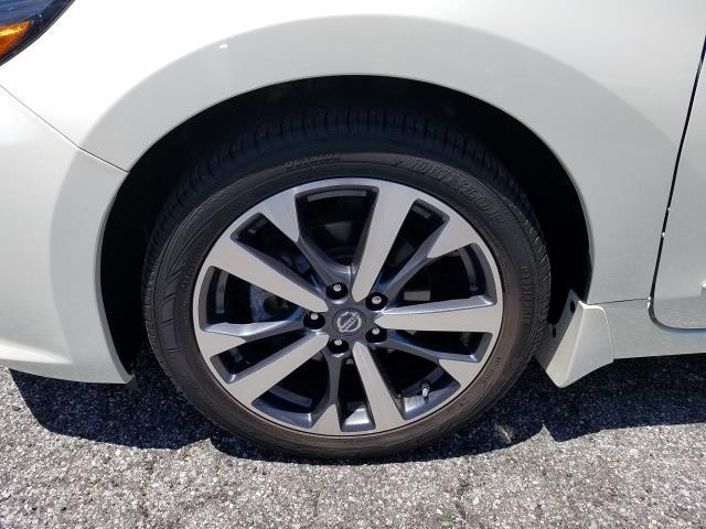 2017 Nissan Altima 2.5 SR 3