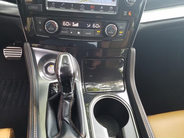 2017 Nissan Maxima SR 26