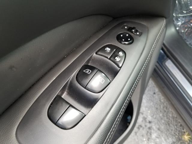 2016 Nissan Pathfinder Platinum 21