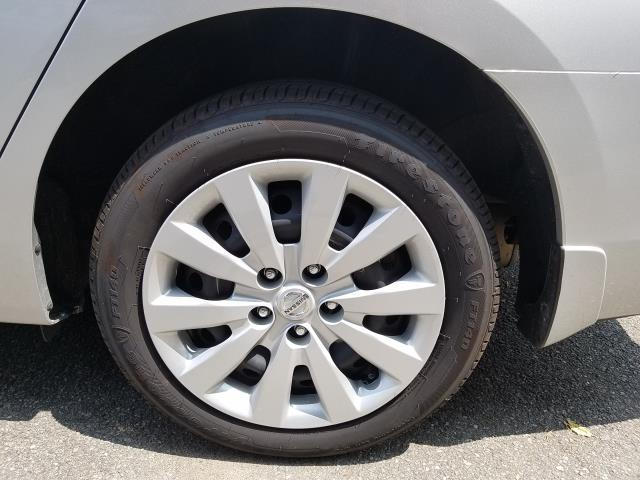 2019 Nissan Sentra S 8