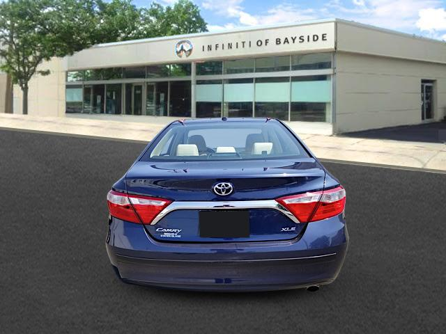 2016 Toyota Camry XLE 2