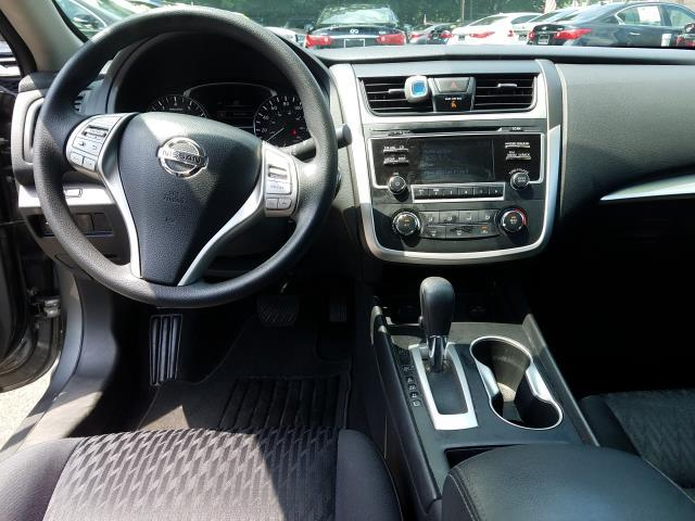 2017 Nissan Altima 2.5 S 14