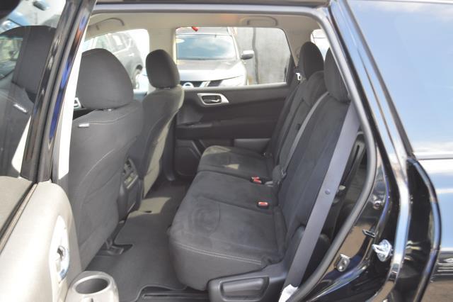 2014 Nissan Pathfinder S 8