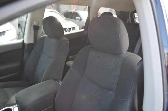 2014 Nissan Pathfinder S 9