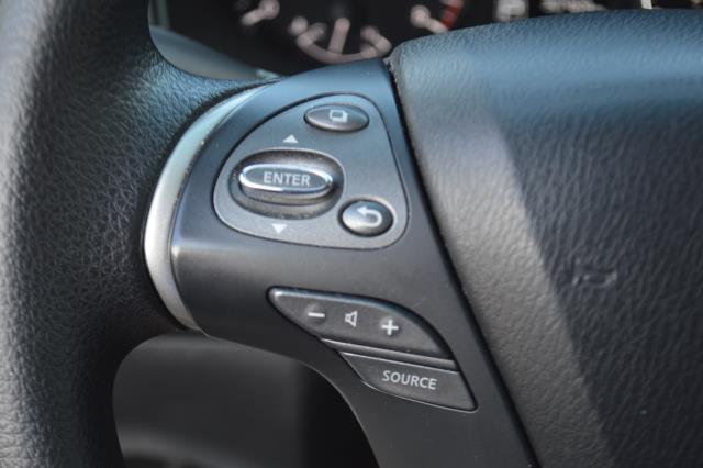 2014 Nissan Pathfinder S 19