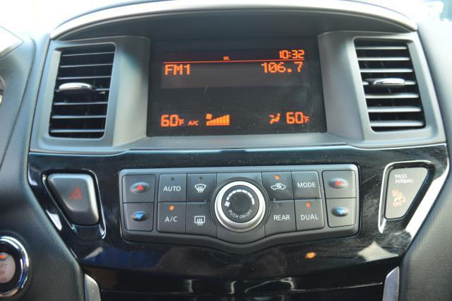 2014 Nissan Pathfinder S 21