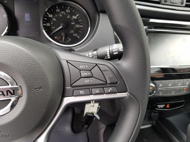 2019 Nissan Rogue S 17