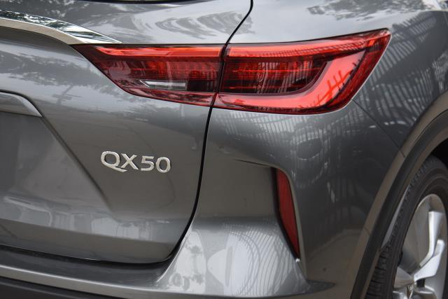 2019 INFINITI QX50 ESSENTIAL 8