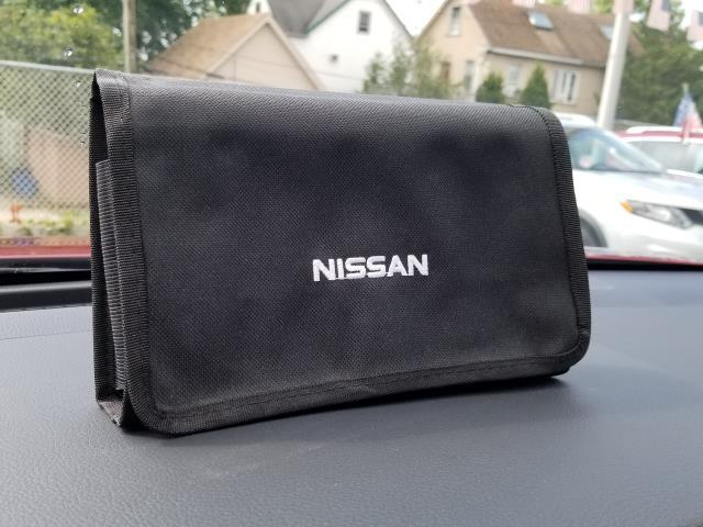 2016 Nissan Rogue S 9