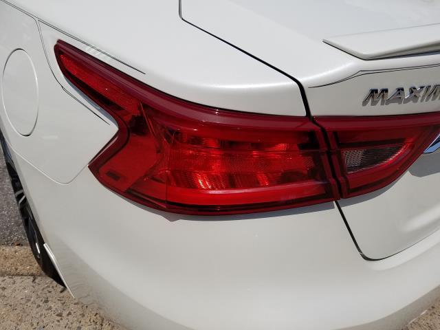 2017 Nissan Maxima Platinum 8