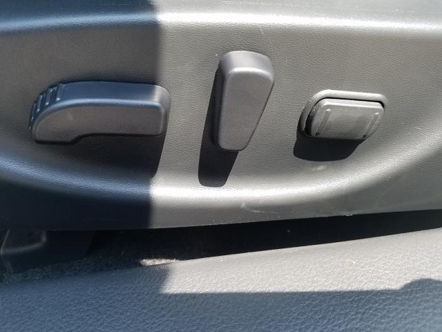 2017 Nissan Maxima Platinum 16