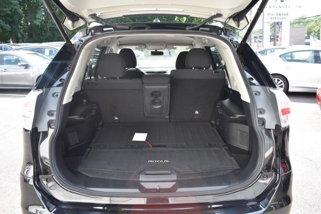 2016 Nissan Rogue SV 4
