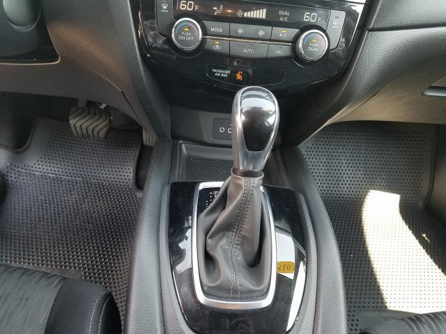 2018 Nissan Rogue SV 24