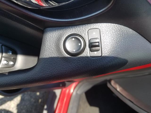 2016 Nissan Rogue SV 15