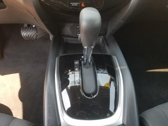 2016 Nissan Rogue SV 22