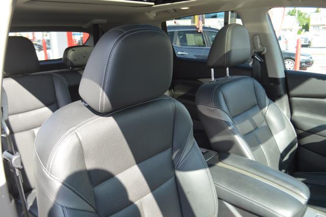 2016 Nissan Murano SL 14