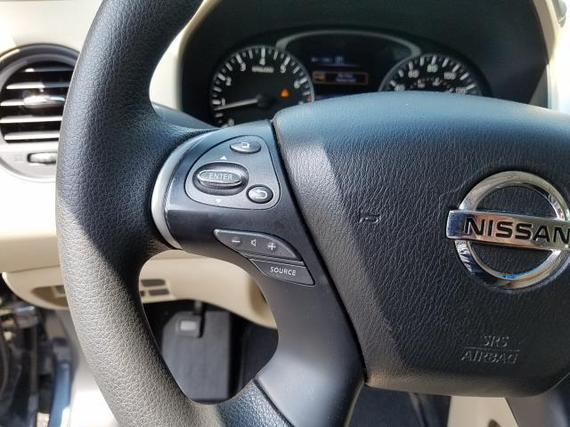 2019 Nissan Sentra S 17