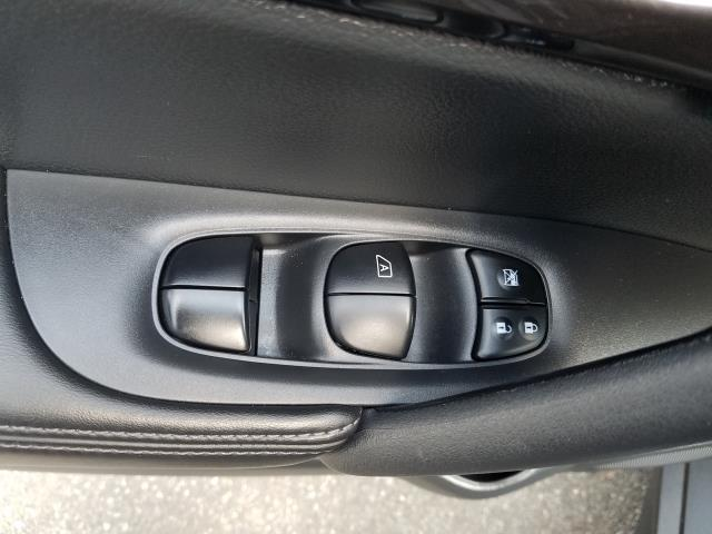 2019 Nissan Rogue S 13