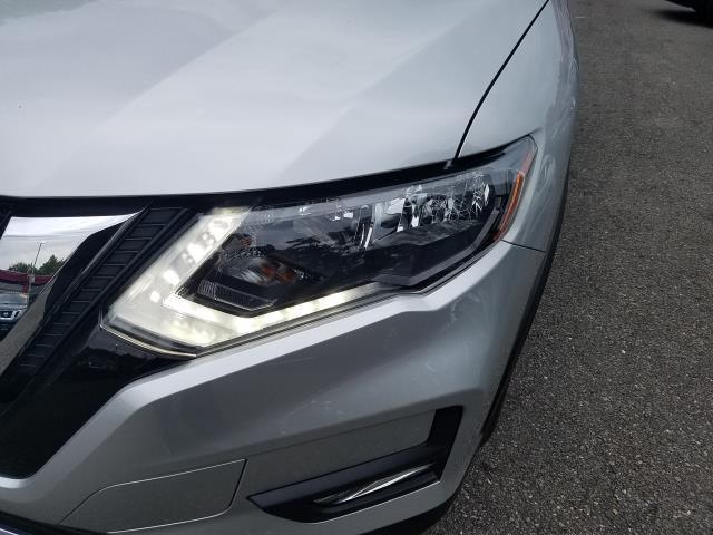 2017 Nissan Rogue SV 3