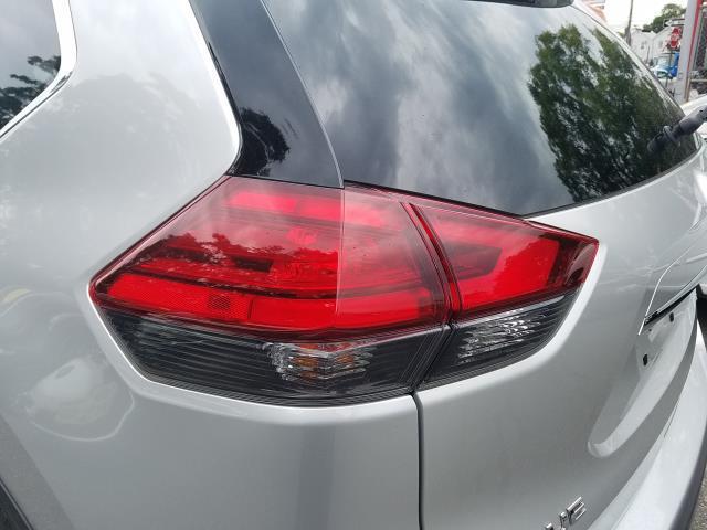 2017 Nissan Rogue SV 5