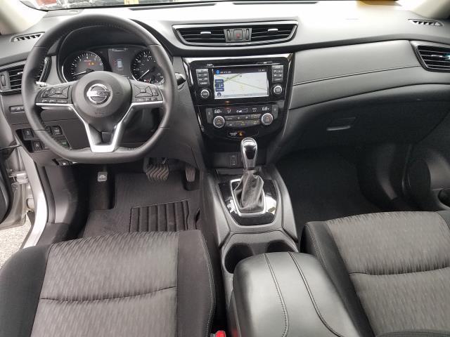 2017 Nissan Rogue SV 10