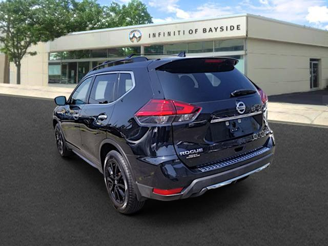 2017 Nissan Rogue SV 1