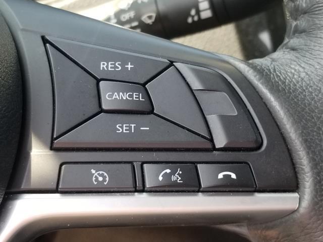 2017 Nissan Rogue SV 19