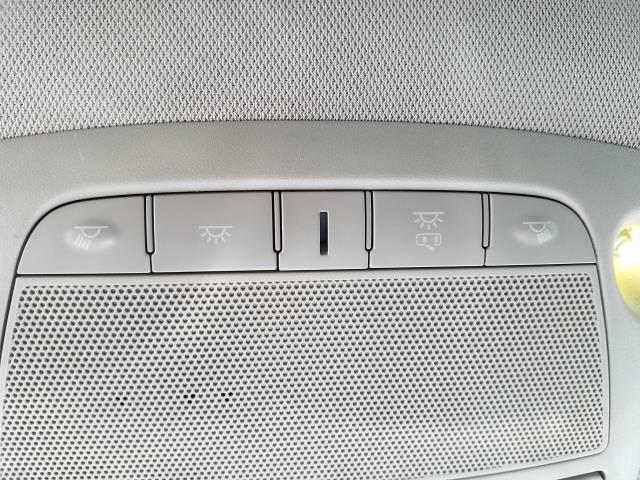 2016 Nissan Pathfinder SV 23