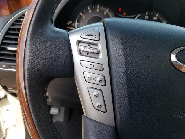 2016 INFINITI QX80 4WD 4dr 17