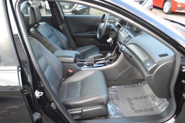 2017 Honda Accord Sedan Sport SE 12