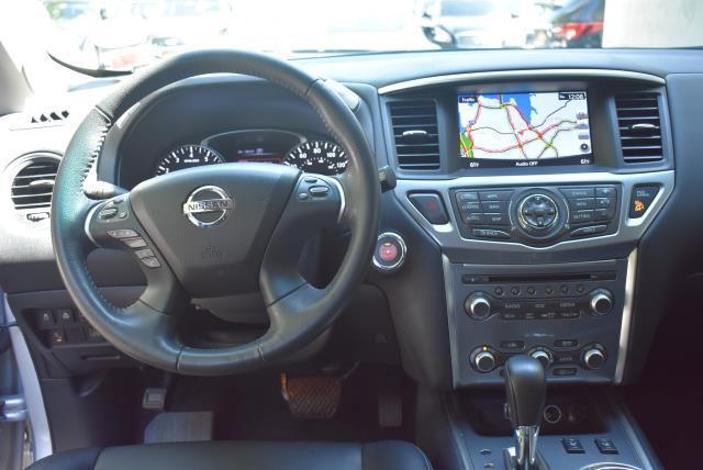 2017 Nissan Pathfinder SL 12