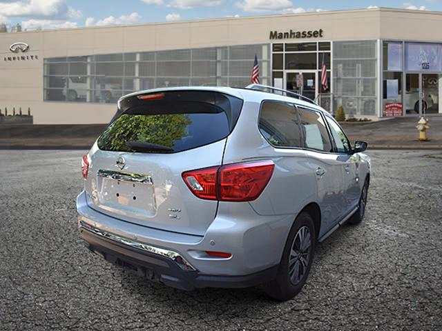 2017 Nissan Pathfinder SL 0