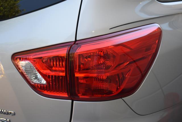 2017 Nissan Pathfinder SL 7