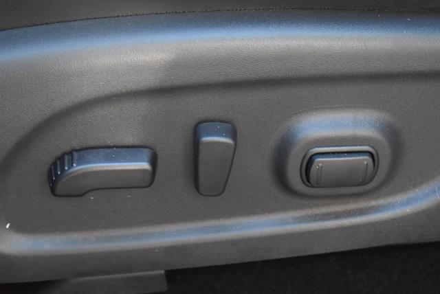 2017 Nissan Pathfinder SL 17