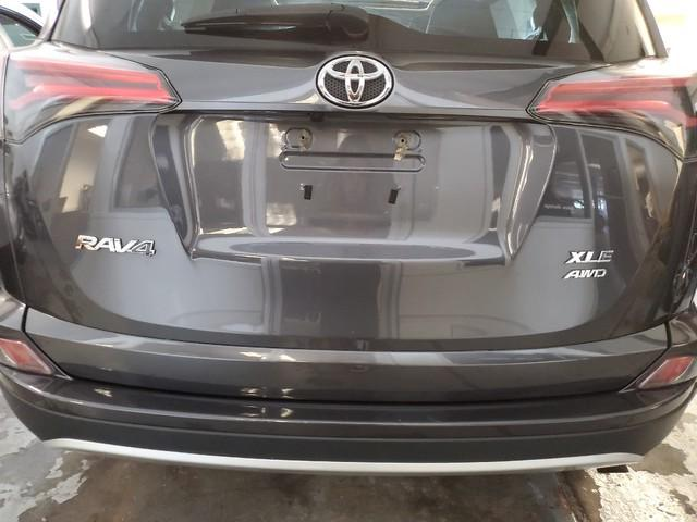 2016 Toyota Rav4 XLE 3