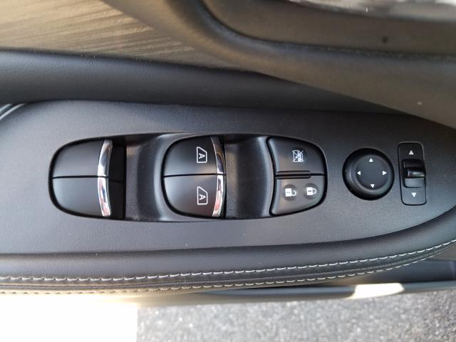2016 Nissan Murano SL 12