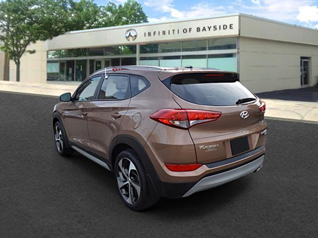 2017 Hyundai Tucson Sport 1