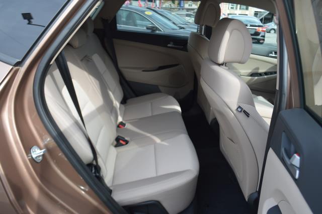 2017 Hyundai Tucson Sport 13