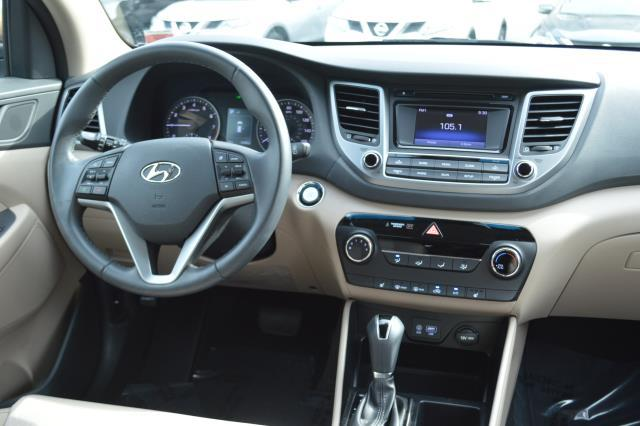 2017 Hyundai Tucson Sport 17