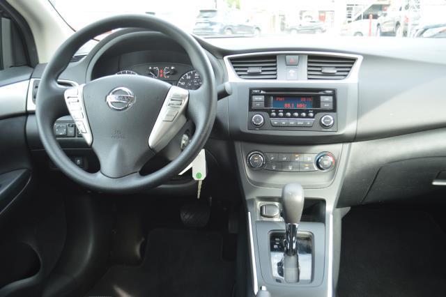 2016 Nissan Sentra S 14