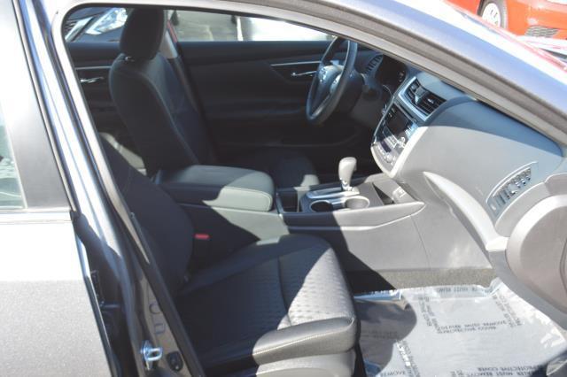 2017 Nissan Altima 2.5 SV 18